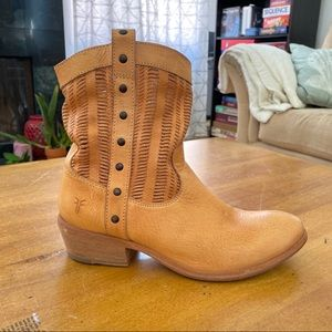Frye Buckskin Leather Booties! Size 6